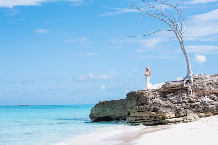 colorful beach wedding in the bahamas 48