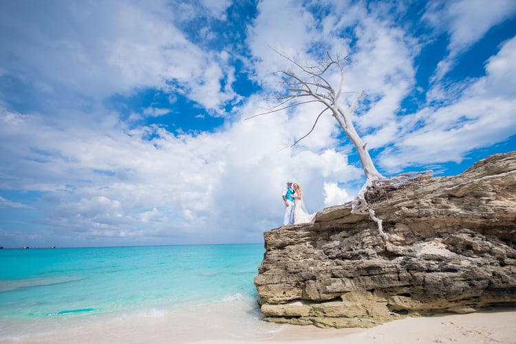 colorful beach wedding in the bahamas 52