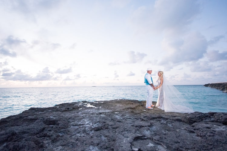 colorful beach wedding in the bahamas 78