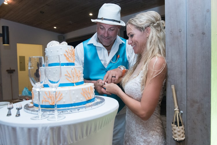 colorful beach wedding in the bahamas 9