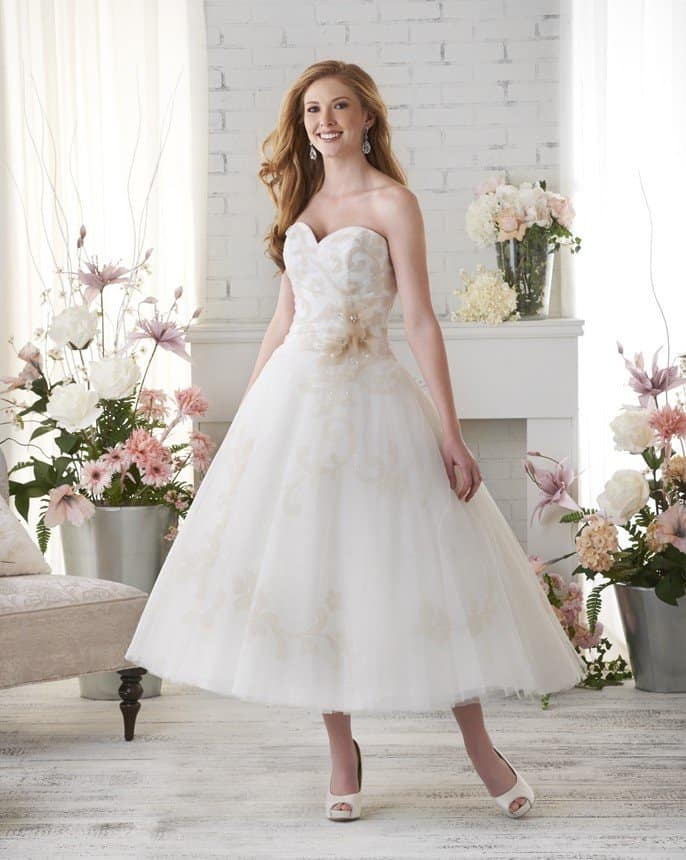 destination-short-wedding-dresses-006