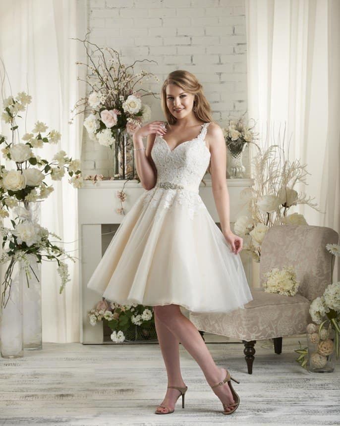 destination-short-wedding-dresses-007