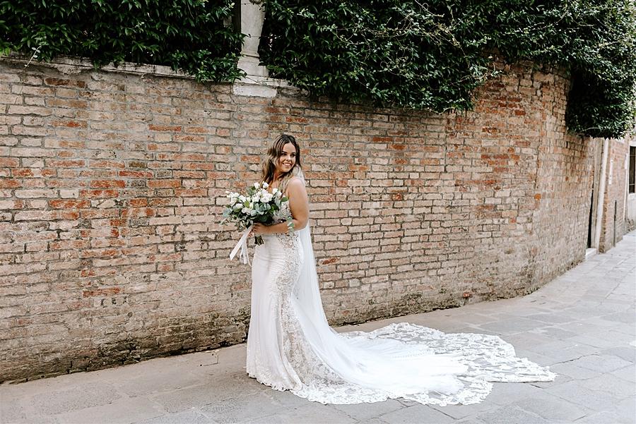 destination wedding dresses tips and ideas