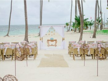 destination-wedding-etiquette-guests-cannot-afford