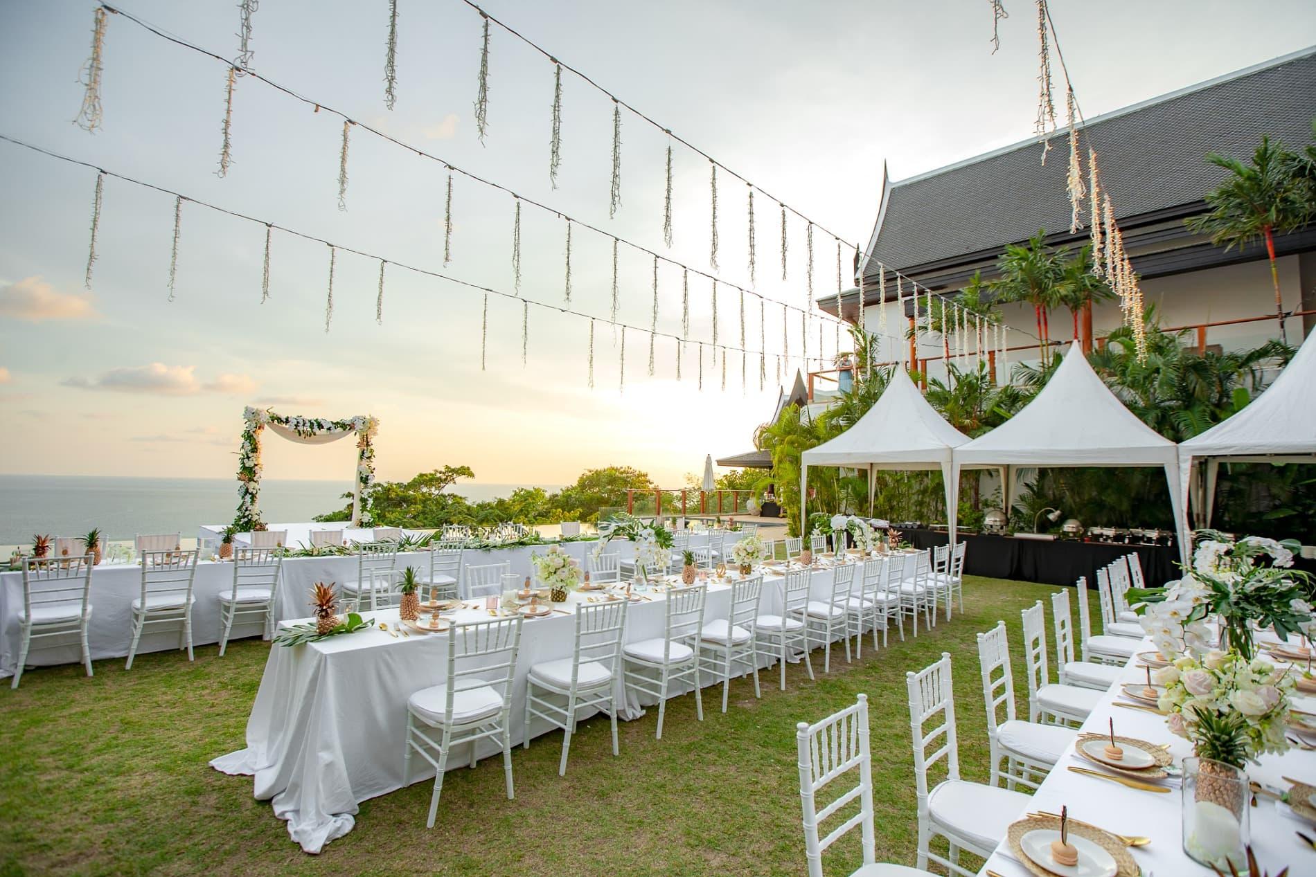 Wedding abroad-wedding destination-wedding blog: Gorgeous
