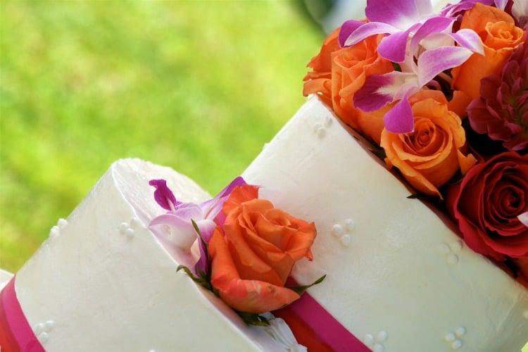 gorgeous tropica beach wedding cakes