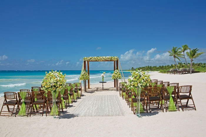 how to work with destination wedding travel agents