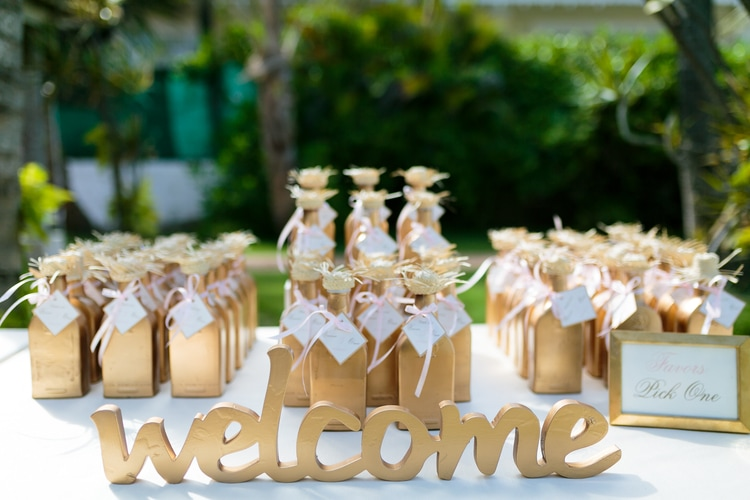 ideas for destination wedding favors