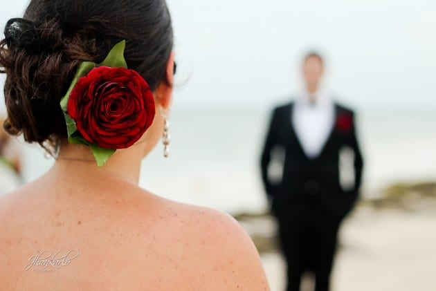 wedding in riviera maya red roses