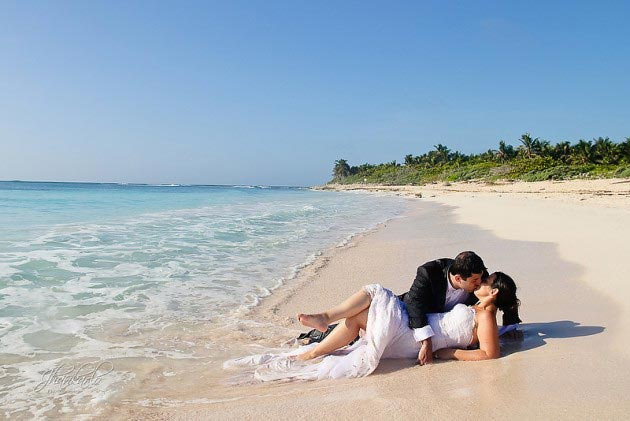 riviera maya wedding trash the dress