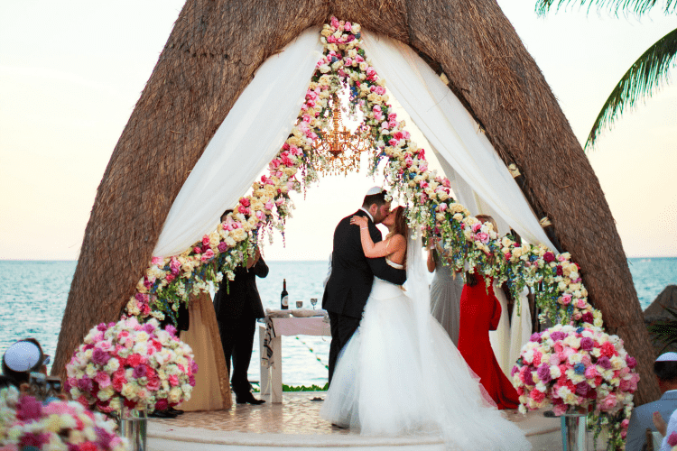 luxurious destination wedding in Dreams riviera cancun