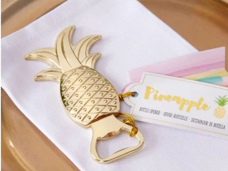 pineapple wedding favor 800x600
