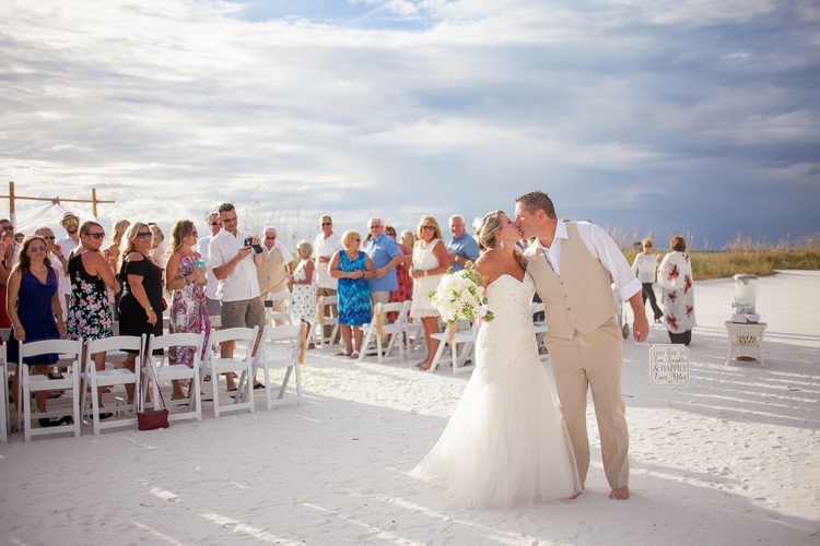 pink shell resort wedding 12