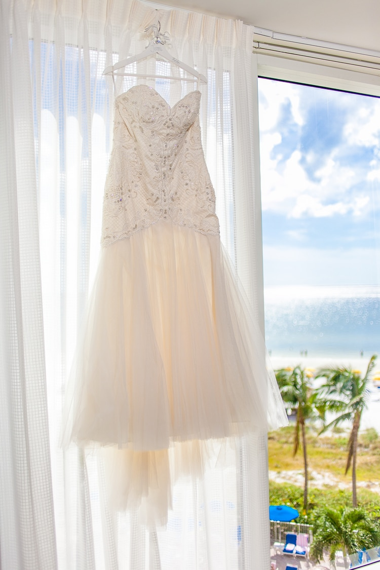 pink shell resort wedding 43