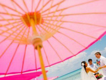 Vibrant orange and fucshia wedding in Mexico
