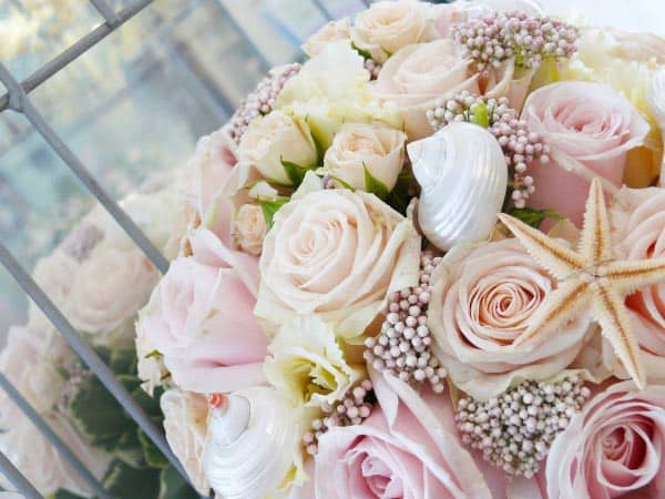 pink seashell and rose bouquet