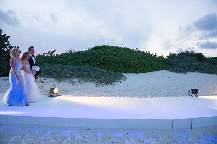 sunset beach wedding at banyan tree mayakoba 59