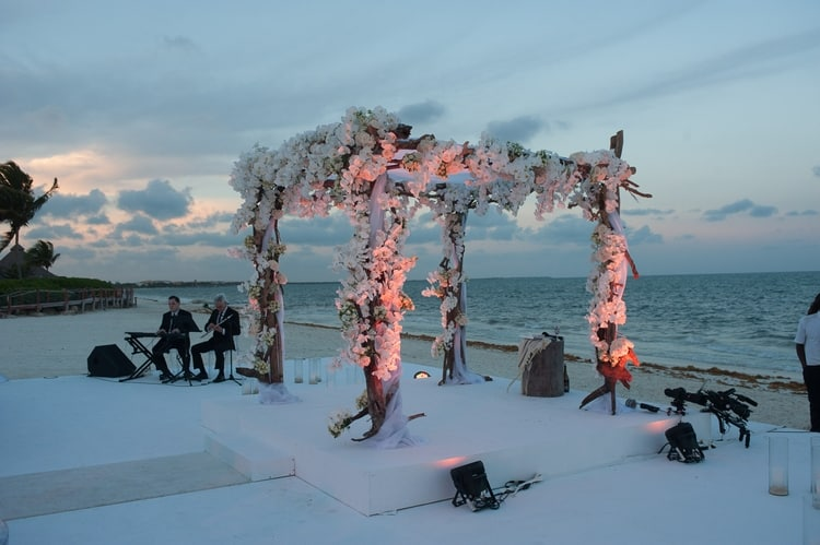 sunset beach wedding at banyan tree mayakoba 77