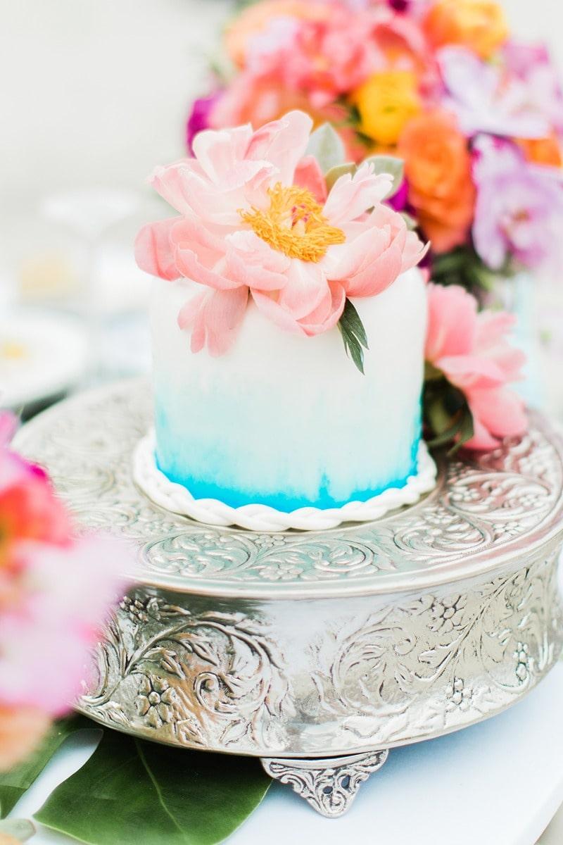 tropical beach wedding cakes with seashells