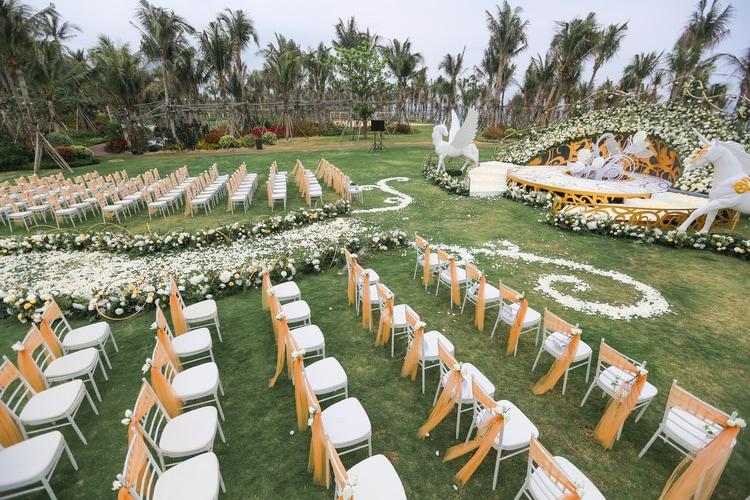 unicorn themed wedding 49